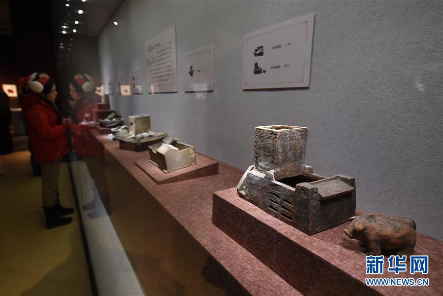 (文化)(6)南京博物院举办院藏猪文物展