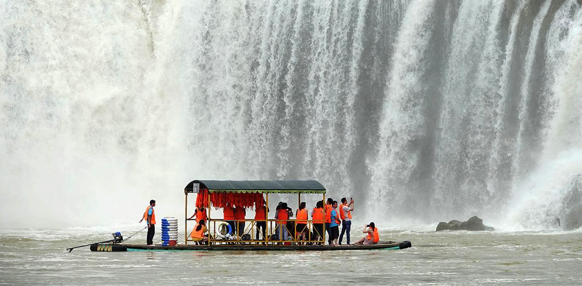 广西崇左:德天瀑布进入最佳观赏期