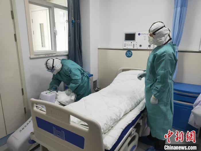 """青海白衣天使再谈战""""疫"""":清楚记得隔离病房中的每一天"""