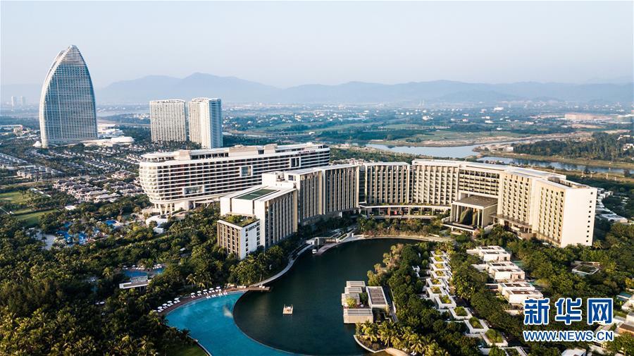 (在习近平新时代中国特色社会主义思想指引下——新时代新作为新篇章·习近平总书记关切事·图文互动)(8)感受开放新魅力——海南自由贸易港建设开局观察